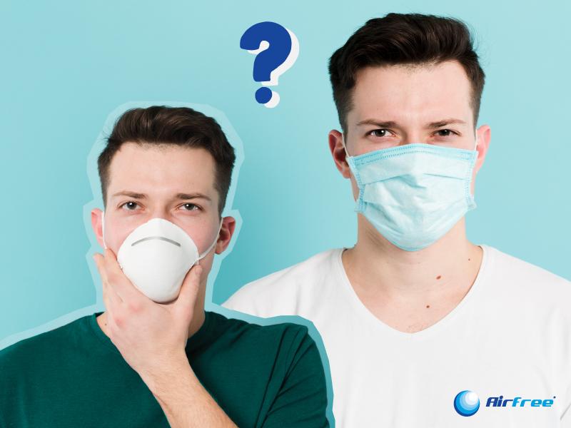 homens com máscara